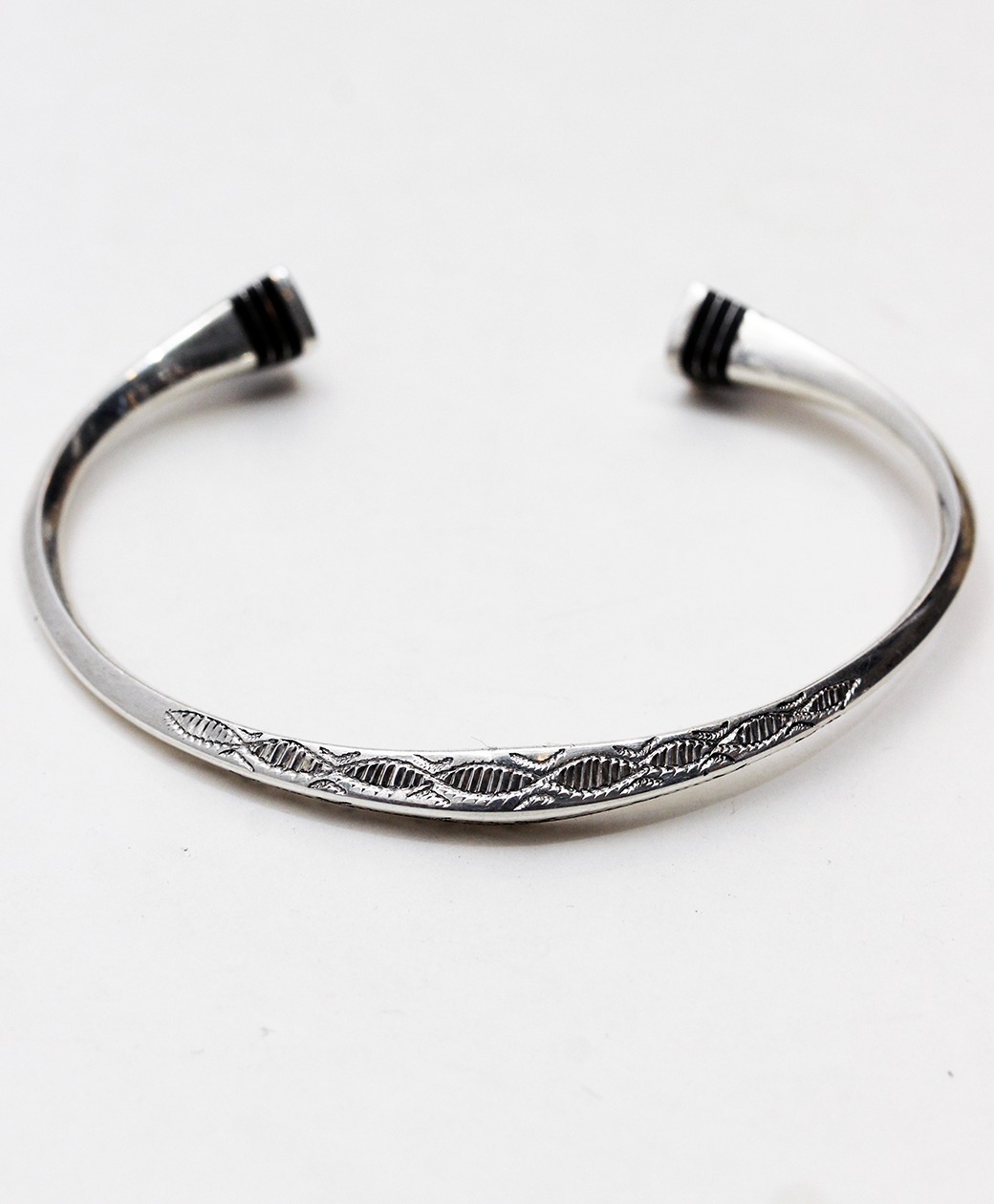 TUAREG SILVER JEWELRY BANGLE(D)