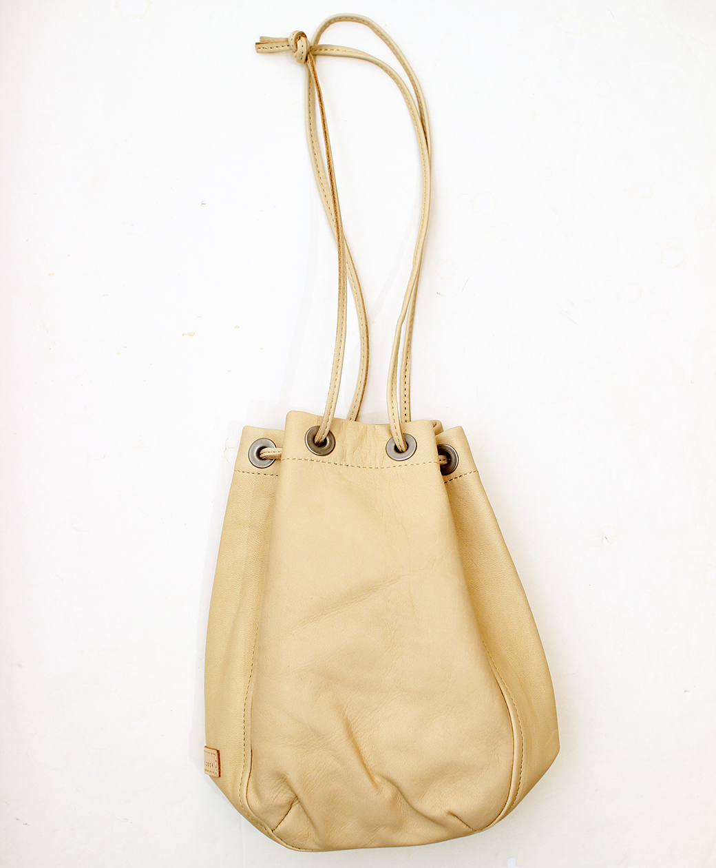 hobo HORSE LEATHER DRAWSTRING BAG(BEIGE)