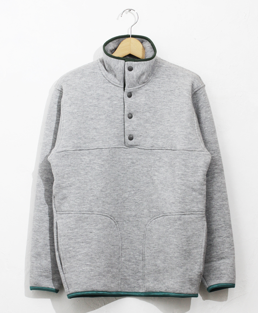 yetina 【BRANCH別注】Stand collar pullover(feather gray)