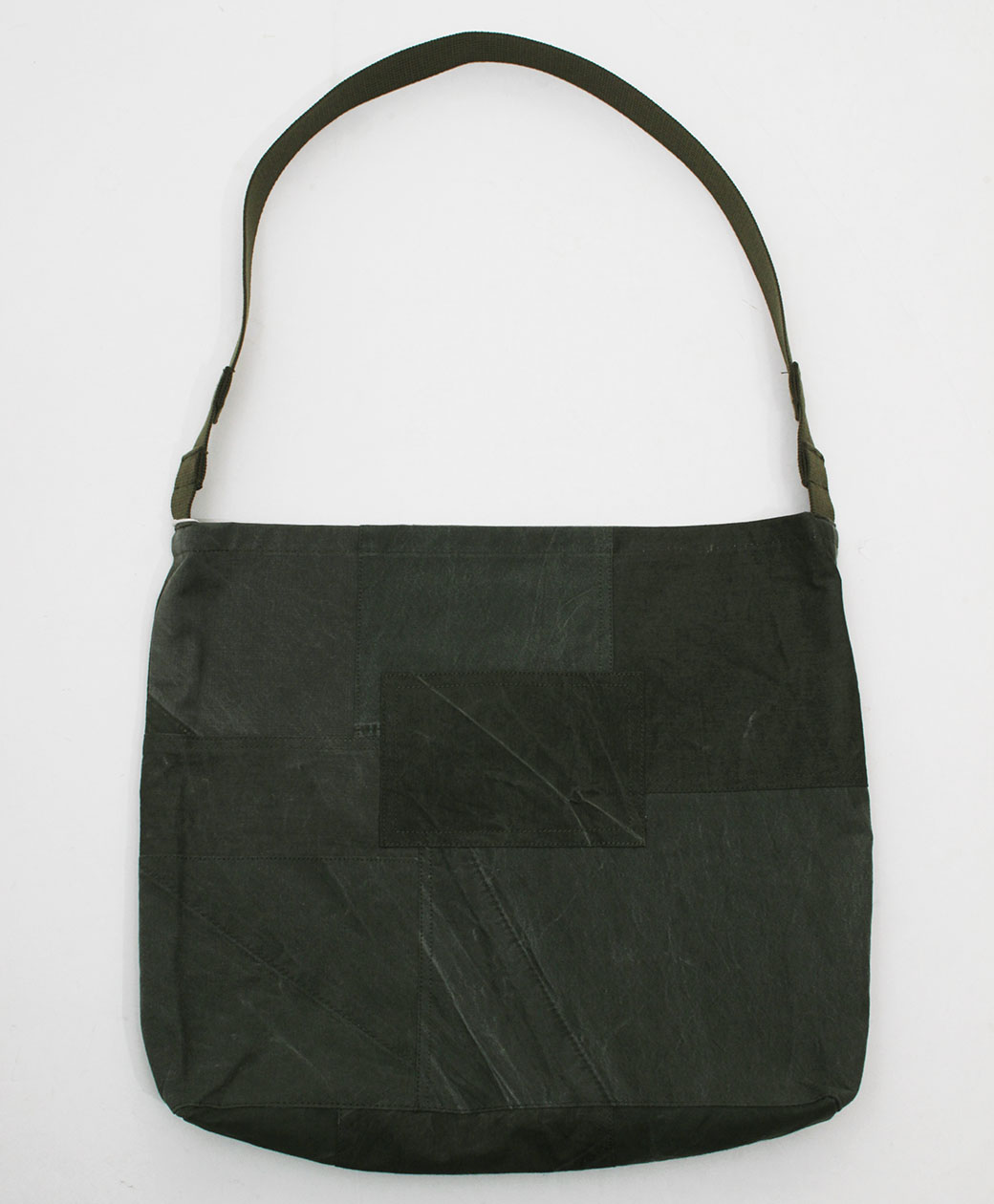 hobo COTTON US ARMY CLOTH PATCHWORK SHOULDER BAG(OLIVE)