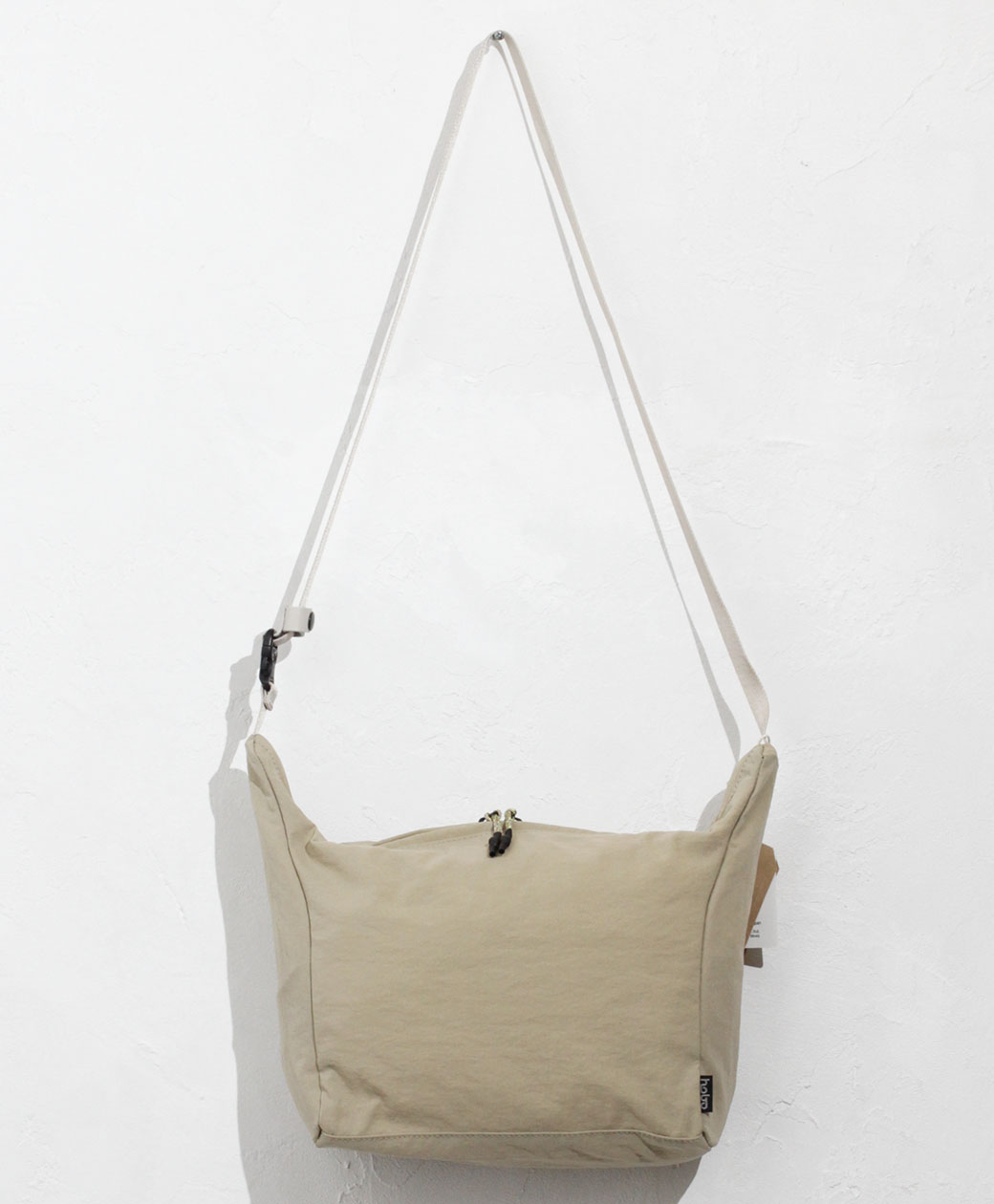 hobo NYLON TUSSAH SHOULDER POUCH(BEIGE)